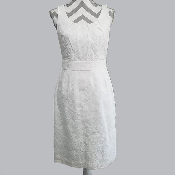 32bf4e8508 Banana Republic Dresses   Skirts - Banana Republic Womens Dress 4 Sheath  White Rose